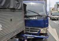 6 ô tô tông liên hoàn trên đại lộ Võ Văn Kiệt