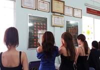 Hoa khôi, người mẫu đi sex tour giá ngàn đô