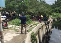 Thi thể nữ lõa thể trôi trên sông Vàm Thuật
