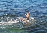 Bơi ra cứu bạn, hai học sinh cùng chết đuối thương tâm
