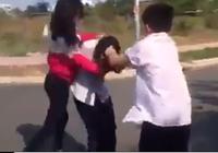 Xác minh clip học sinh bị đánh, giật tóc