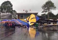 Đồng Nai: Bức tường sắt cao 30 m đổ sập trong mưa