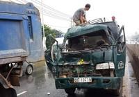 5 xe tải đâm liên hoàn trên quốc lộ, 1 người bị thương