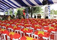 Truy điệu các liệt sĩ hy sinh tại sân bay Biên Hòa