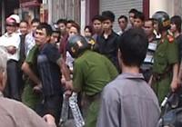 Chủ sạp thịt heo ở Biên Hòa dùng dao dọa cán bộ phường