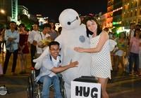 'Ôm' hướng về người khuyết tật