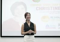 Christine Hà: 'Cuộc sống không vì nỗi đau của vài người mà dừng lại'.