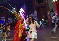 Tôn Ngộ Không đại náo đường hoa Nguyễn Huệ ngày đầu năm