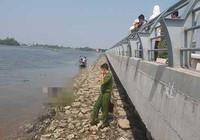 Thi thể một nam giới trôi trên sông Sài Gòn
