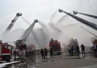 900 người dập đám cháy Tổng kho xăng dầu Nhà Bè
