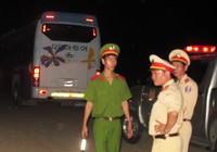 Bị xe khách tông, hai vợ chồng tử nạn