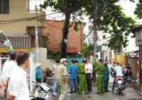 Clip Hàng trăm người hoảng loạn vì 'mìn' trước nhà dân