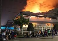 Cháy lớn trong khu công nghiệp Loteco