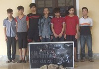 8 thanh niên hủy hoại tài sản bị khởi tố