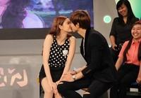 Quỳnh Anh, Jennifer Phạm không ngại hôn đắm đuối ở chốn đông người