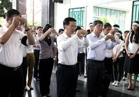 Phó Bí thư Thường trực Thành ủy TP.HCM Võ Văn Thưởng viếng PGS-NGND Trần Thanh Đạm