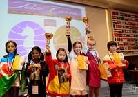 Cẩm Hiền lên ngôi vô địch trẻ cờ vua thế giới