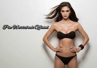 Hoa hậu Hoàn vũ tự tin khoe vóc dáng dù bị chê xấu