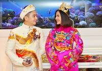 Vân Trang chuẩn bị áo dài cưới