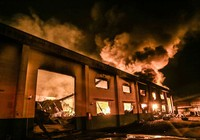 Cháy nổ kinh hoàng tại công ty sản xuất sơn