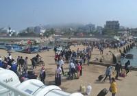 Gần 500 du khách kẹt lại đảo Lý Sơn do thời tiết xấu