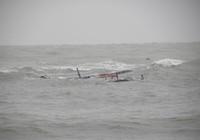 Cứu hộ thành công 10 thuyền viên gặp nạn trên biển