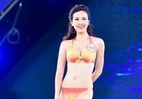 18 người đẹp phía Bắc trình diễn bikini