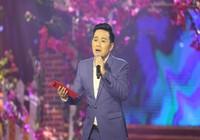 Nghe Duy Khánh hát 'Cô hàng xóm'