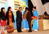 VietJet Air nhận Thương hiệu du lịch văn hóa 2013 của UNESCO