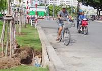 Phát hiện hố sâu ở bờ kênh Nhiêu Lộc - Thị Nghè