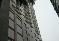 Một cháu bé rơi từ tầng 11 khu chung cư cao cấp