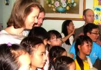 Công nương Bỉ thăm trẻ em TP.HCM