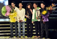 """""""Đồng hồ treo tường"""" đoạt giải Bài hát Việt 2009"""