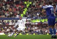 Khoảnh khắc ngọt ngào và đắng cay của Beckham với tuyển Anh