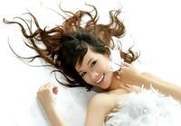 Hot girl Quỳnh Chi bất ngờ lên xe hoa