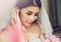 Lan Hương e ấp làm cô dâu