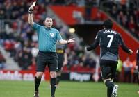 """Trọng tài bị Sir Ferguson """"tố"""" sẽ điều khiển trận M.U - Chelsea"""