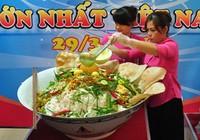 Tô mì Quảng lớn nhất Việt Nam