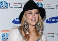 Ca sĩ Hilary Duff sẽ ra mắt một loạt tiểu thuyết