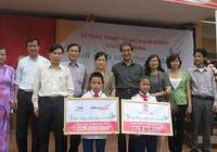 NXB Kim Đồng trao tặng 290 tủ sách cho miền Trung