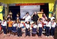 Tặng hệ thống lọc nước sạch cho các trường tiểu học