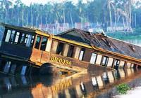 TP.HCM tổng kiểm tra các tàu du lịch trên sông