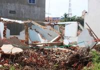 Bình Phước: Tường trụ sở công an đè chết một người