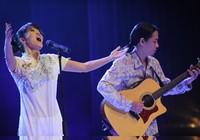 Khi lời ca, tiếng hát sẻ chia cùng đồng bào…