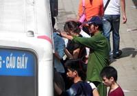 Đồng loạt bắt giữ nhiều trộm, cướp trên xe bus