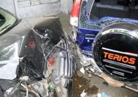 Xế hộp gây tai nạn liên hoàn trước khi nổ lốp