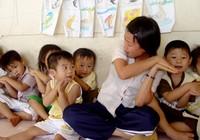 Nhà giáo phải sống được bằng lương