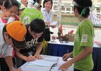 Ký tên vì môi trường trong Ngày hội sống xanh