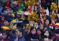 Chen lấn, xô đẩy vay tiền đầu năm ở đền Bà Chúa Kho