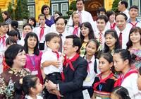 Chung tay hỗ trợ các em thiếu nhi khó khăn